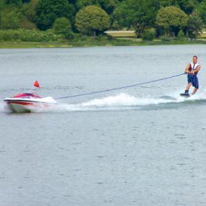 Ski nautique automatique