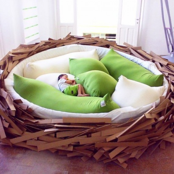 Canapé nid d'oiseau géant