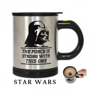 Le mug Dark Vador mélangeur automatique