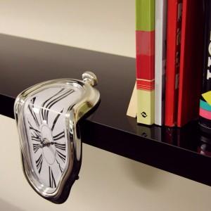 Horloge molle et dégoulinante inspiration Dali
