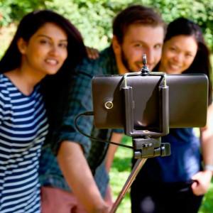 La canne à selfie avec déclencheur Click Stick