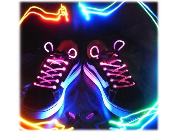Lacets LED imperm/éables Diff/érentes couleurs disponibles