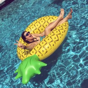 Bouée gonflable Ananas géant
