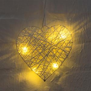 Coeur en rotin blanc LED