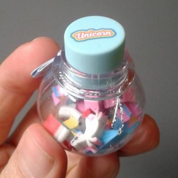 12 mini gommes licorne