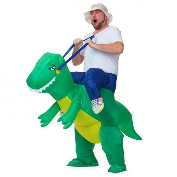 Costume explorateur sur dos de dinosaure