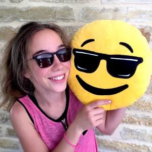 Coussin Emoji Smiley Cool Lunettes noires