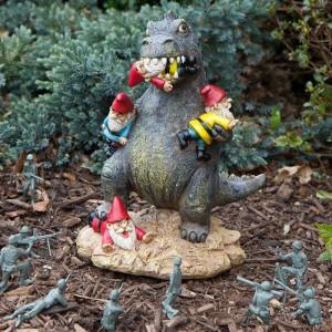 Gnomezilla - Godzilla mangeur nains de jardin