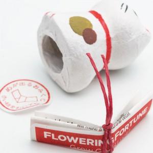 Chat de fortune Japonais à fleur florissante