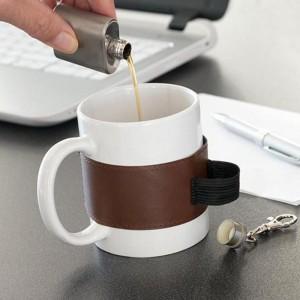 Mug avec flasque intégrée