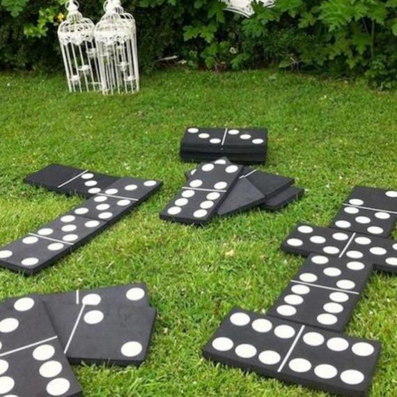 Jeu de dominos géants