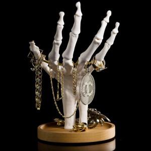 Porte-bijoux Main squelette