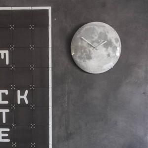 Horloge murale 'clair de lune' phosphorescente
