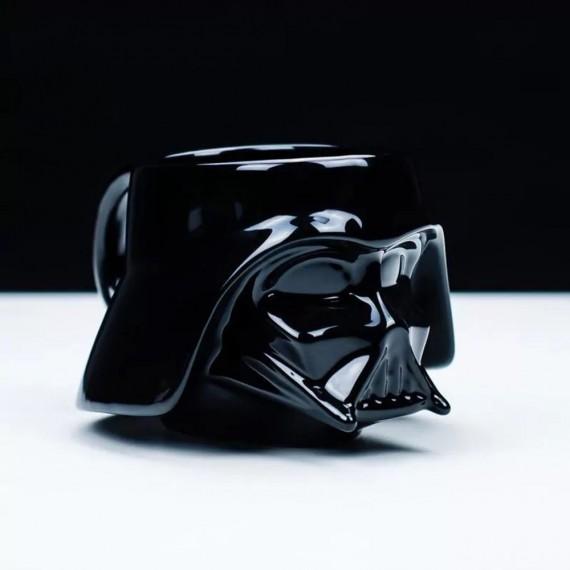 Le mug 3D Dark Vador avec couvercle
