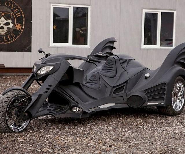 d couvrez la batcycle la version revisit e et r elle de la moto de batman pigsou mag. Black Bedroom Furniture Sets. Home Design Ideas