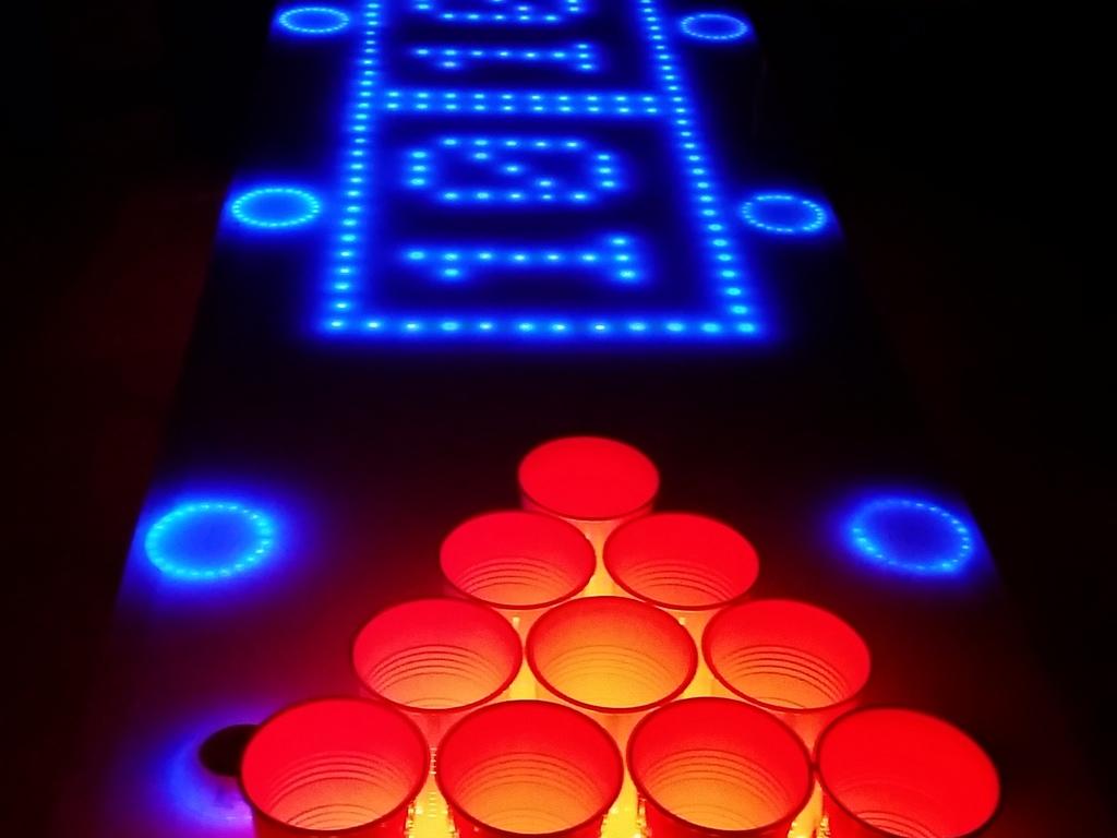 La table beer pong connect e l 39 invention du si cle on - Fabriquer une table de beer pong ...