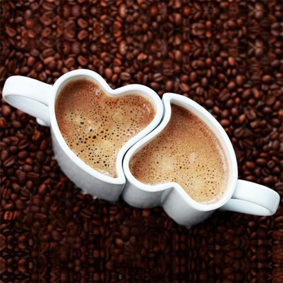Tasse en forme de coeur pour les amoureux