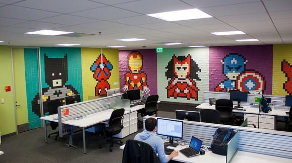 Des super-héros en post-it pour redécorer vos bureaux
