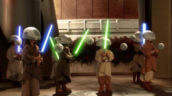 On peut devenir Jedi et se marier selon George Lucas qui répond à un enfant de 7 ans fan de Star Wars ! (En vidéo)