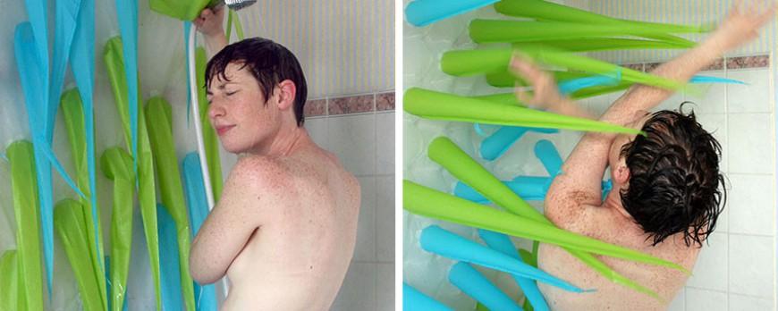 Vous avez 4 minutes ! Ce rideau insolite vous empêche de passer trop de temps sous la douche