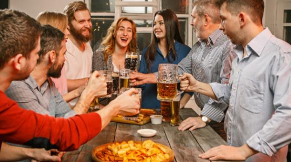 10 idées cadeaux pour une soirée inoubliable à la maison